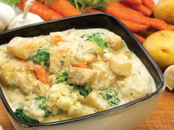 Casserole crémeuse de légumes et de pommes de terre